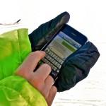 Mobiele telefoon gebruikt in de sneeuw