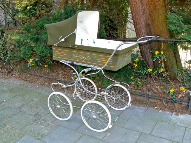Kinderwagen uit de jaren zeventig